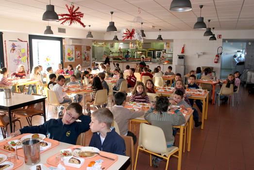 Restauration scolaire ville de pernes les fontaines for Emploi cuisinier cantine scolaire